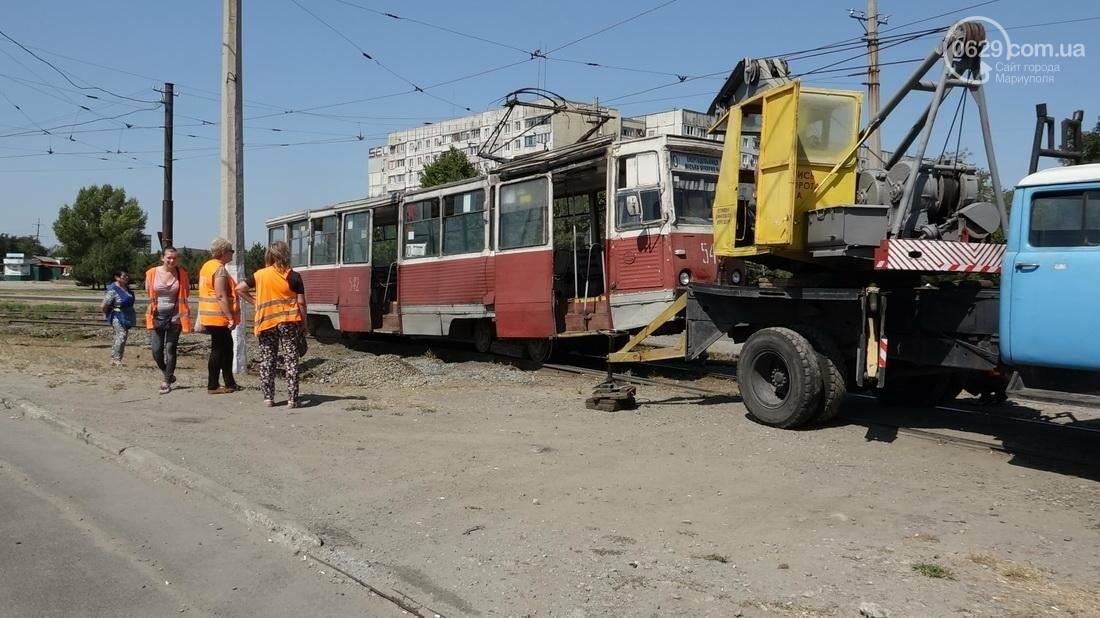 В Мариуполе трамвай сошел с рельс (ФОТО), фото-3