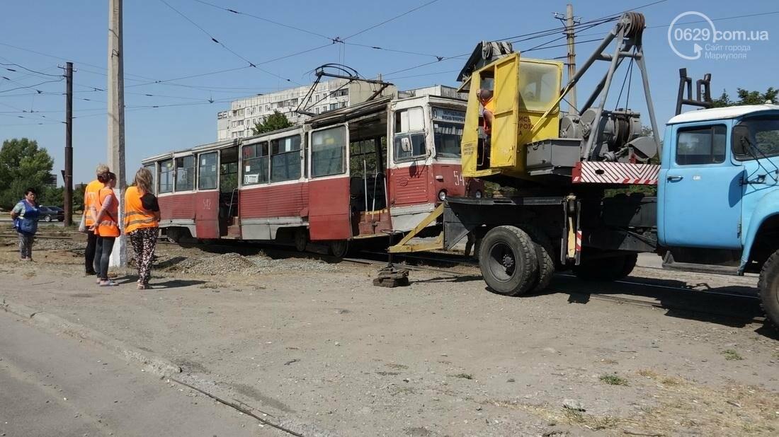 В Мариуполе трамвай сошел с рельс (ФОТО), фото-8