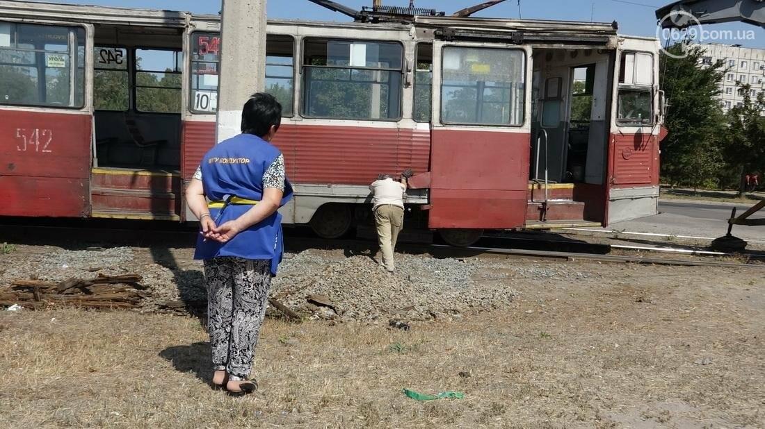В Мариуполе трамвай сошел с рельс (ФОТО), фото-12