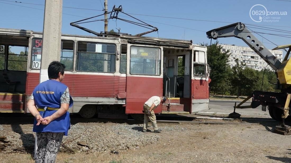 В Мариуполе трамвай сошел с рельс (ФОТО), фото-9