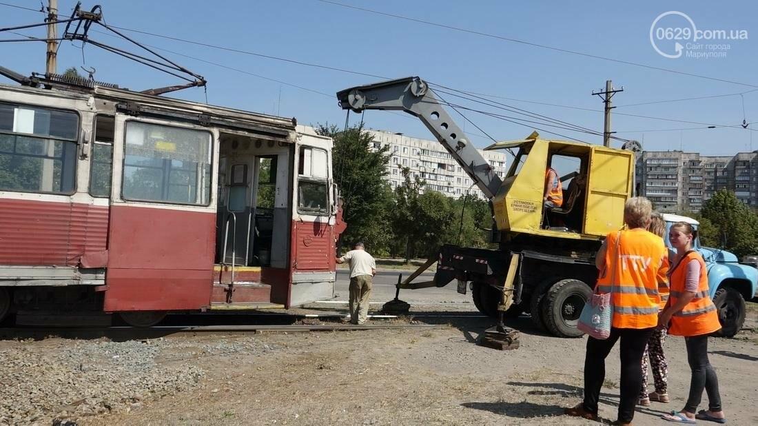 В Мариуполе трамвай сошел с рельс (ФОТО), фото-10