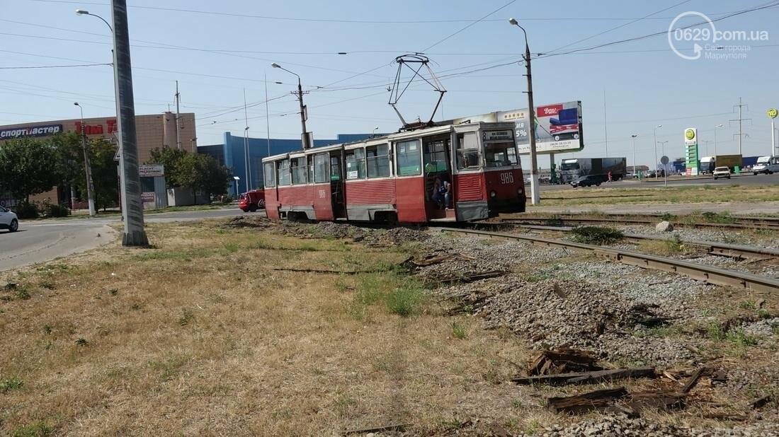 В Мариуполе трамвай сошел с рельс (ФОТО), фото-14