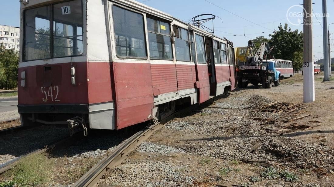 В Мариуполе трамвай сошел с рельс (ФОТО), фото-15