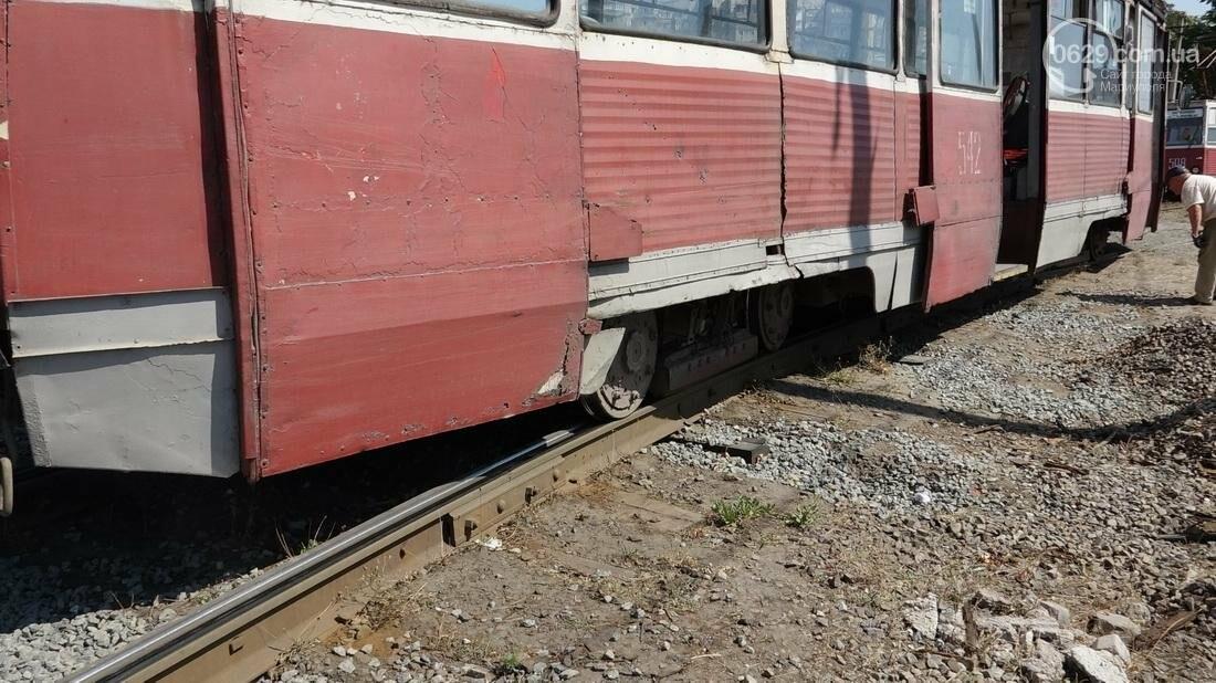 В Мариуполе трамвай сошел с рельс (ФОТО), фото-19