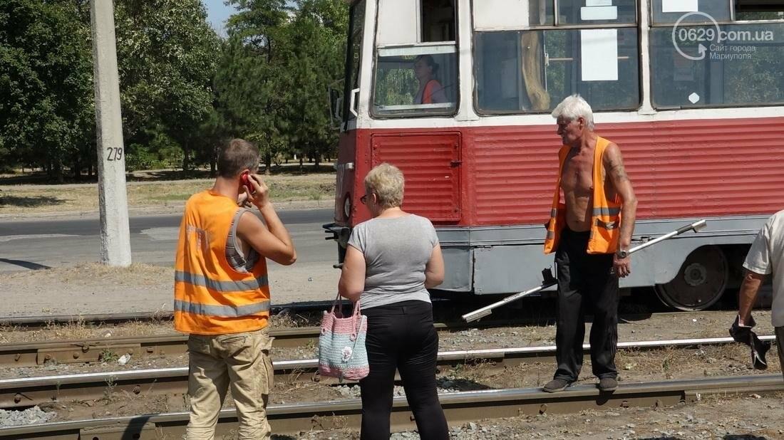 В Мариуполе трамвай сошел с рельс (ФОТО), фото-21