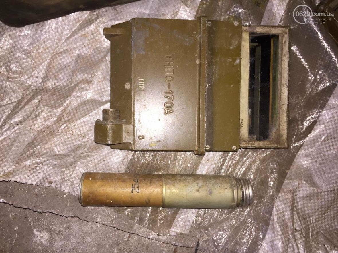 В разрушенной больнице под Мариуполем обнаружен ящик с тротилом и гранатами (ФОТО), фото-10