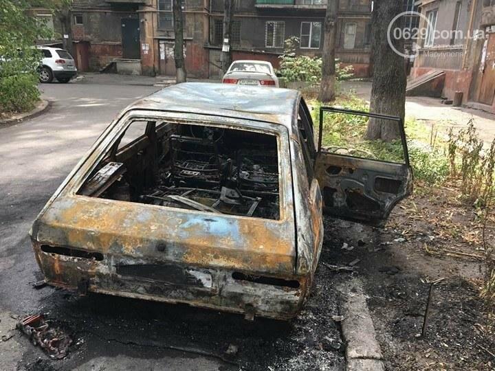 В Мариуполе ночью сожгли авто (ФОТО), фото-1