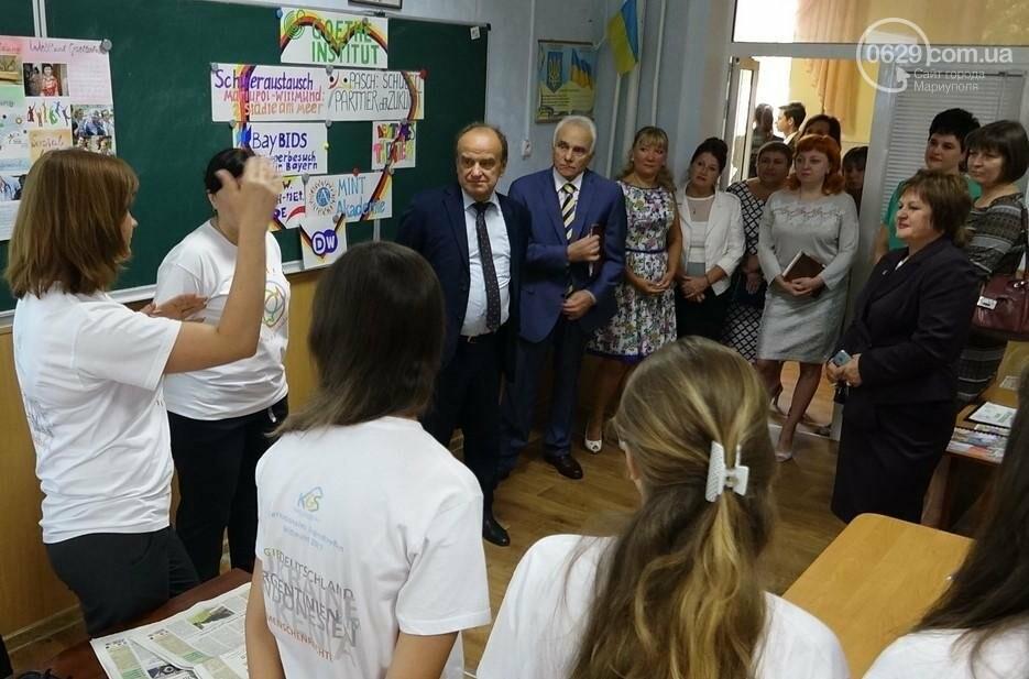 Зам. министра образования в Мариуполе  посетит лицей, пообщается с педагогами и посвятит в студенты (Фотофакт), фото-2