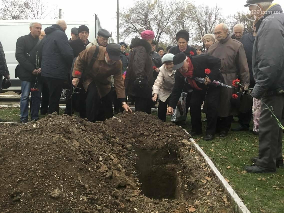 В Мариуполе перезахоронили останки советского воина, найденные на немецком кладбище (ФОТО, ВИДЕО), фото-18
