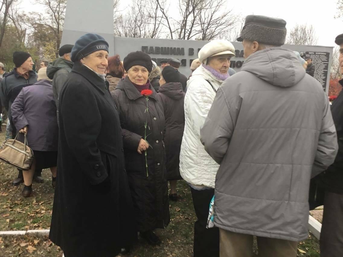 В Мариуполе перезахоронили останки советского воина, найденные на немецком кладбище (ФОТО, ВИДЕО), фото-15