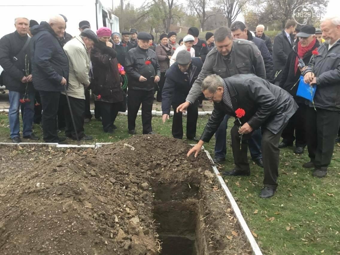 В Мариуполе перезахоронили останки советского воина, найденные на немецком кладбище (ФОТО, ВИДЕО), фото-7
