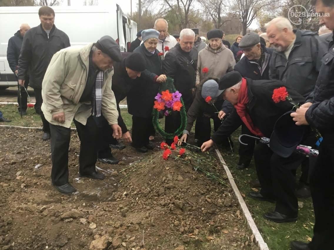 В Мариуполе перезахоронили останки советского воина, найденные на немецком кладбище (ФОТО, ВИДЕО), фото-3