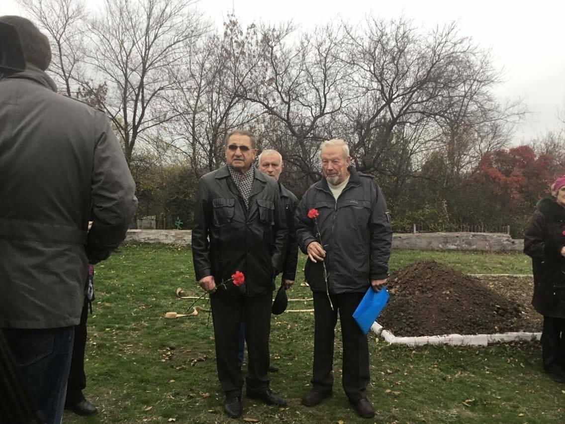 В Мариуполе перезахоронили останки советского воина, найденные на немецком кладбище (ФОТО, ВИДЕО), фото-17