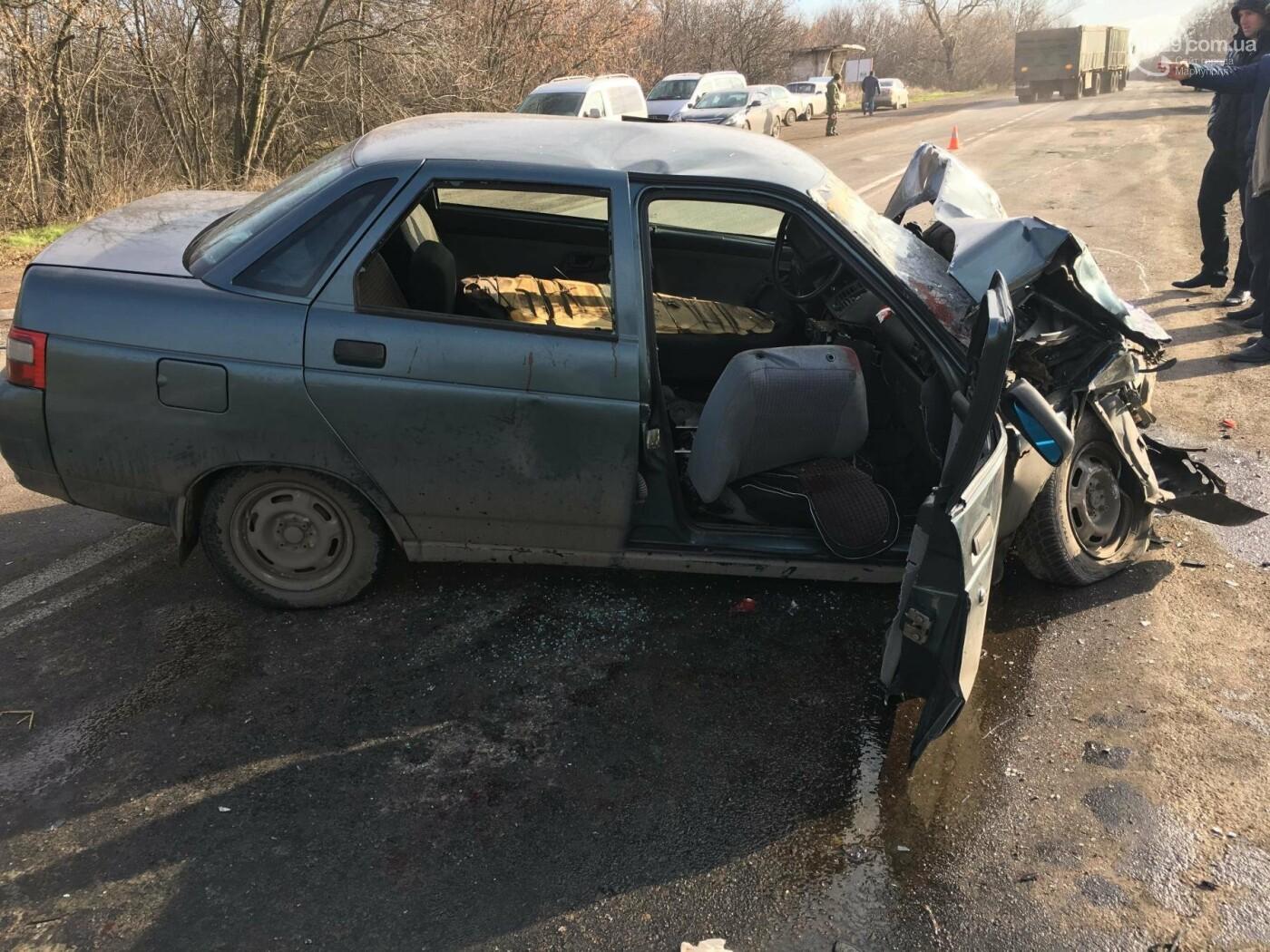 В тройном ДТП под Мариуполем погиб один человек (ФОТО), фото-1