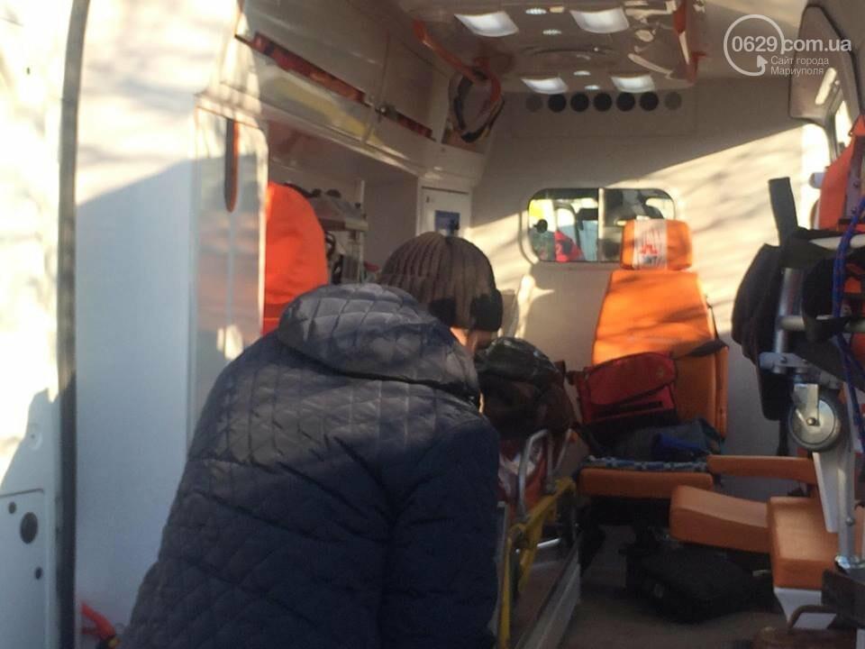 В Мариуполе маршрутка врезалась в дерево. Пострадали около 10 человек (ФОТО, ВИДЕО), фото-4