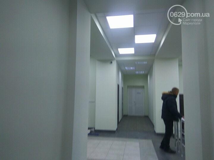 В мариупольской мэрии установят металлоискатель (ФОТОФАКТ), фото-9