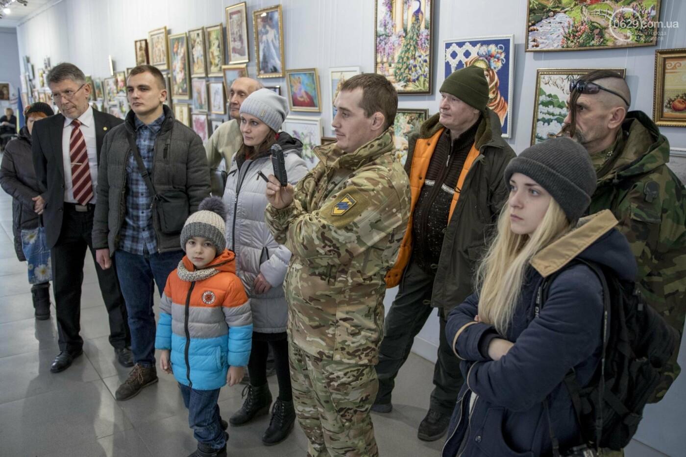 Фотовыставка «Два столетия, одна война»: в Мариуполе провели параллель между войной на Донбассе и борьбой УПА (ФОТО, ВИДЕО), фото-9