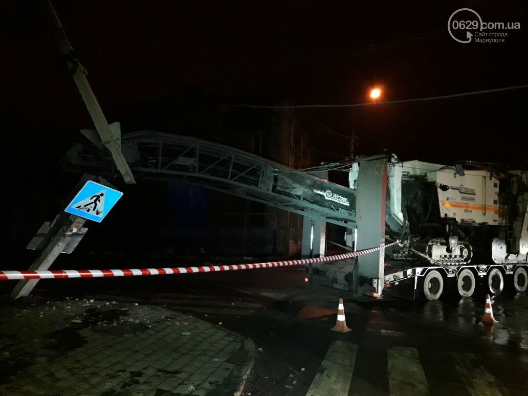 ДТП по-турецки: в Мариуполе техника для снятия асфальта обесточила микрорайон (ФОТО+ВИДЕО), фото-5