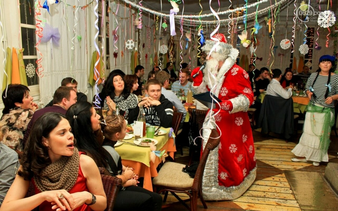 Новый год в мариупольских ресторанах: 1200 грн с человека и незаконный фейерверк, фото-1