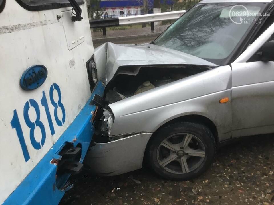 """В Мариуполе """"Лада"""" врезалась в троллейбус. Пострадал ребенок (ФОТО+ВИДЕО), фото-6"""