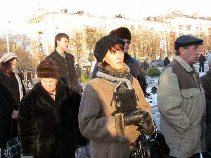Мариуполь остался без самой высокой елки в Украине и митинг против беспредела «Укрзализныци». О чем писал 0629.com.ua 27 декабря, фото-9