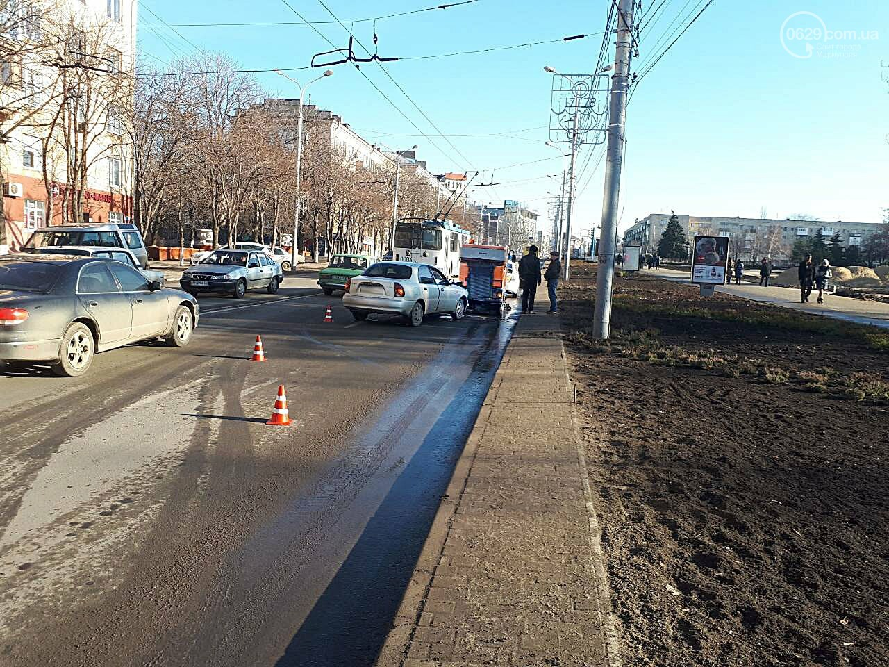 """В Мариуполе """"Дэу"""" протаранил автомобиль для чистки дороги (ФОТО), фото-3"""