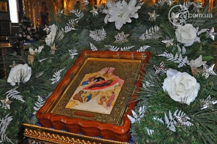 На Рождество в Свято-Покровском храме с. Боевое верующие соревновались в исполнении щедривок (Аэросъемка), фото-4