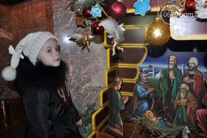 На Рождество в Свято-Покровском храме с. Боевое верующие соревновались в исполнении щедривок (Аэросъемка), фото-5