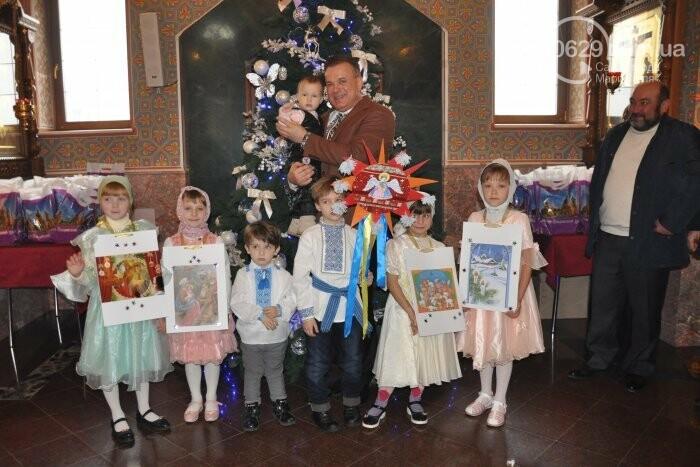 На Рождество в Свято-Покровском храме с. Боевое верующие соревновались в исполнении щедривок (Аэросъемка), фото-10