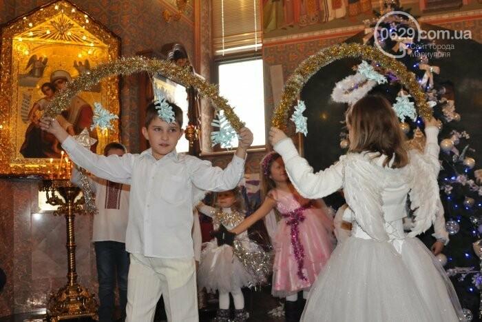 На Рождество в Свято-Покровском храме с. Боевое верующие соревновались в исполнении щедривок (Аэросъемка), фото-24