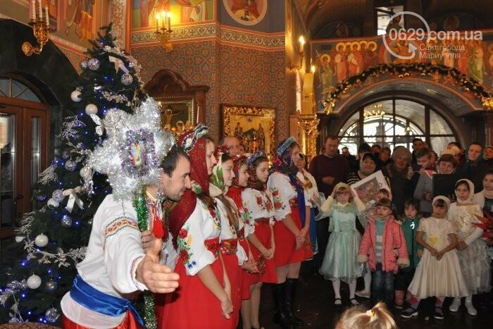 На Рождество в Свято-Покровском храме с. Боевое верующие соревновались в исполнении щедривок (Аэросъемка), фото-27