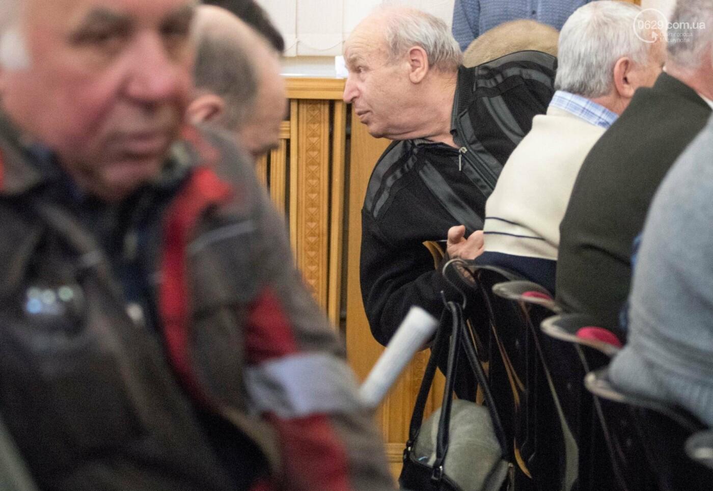 В Мариуполе Гройсман пообещал металлургам справедливые пенсии (ФОТО), фото-2
