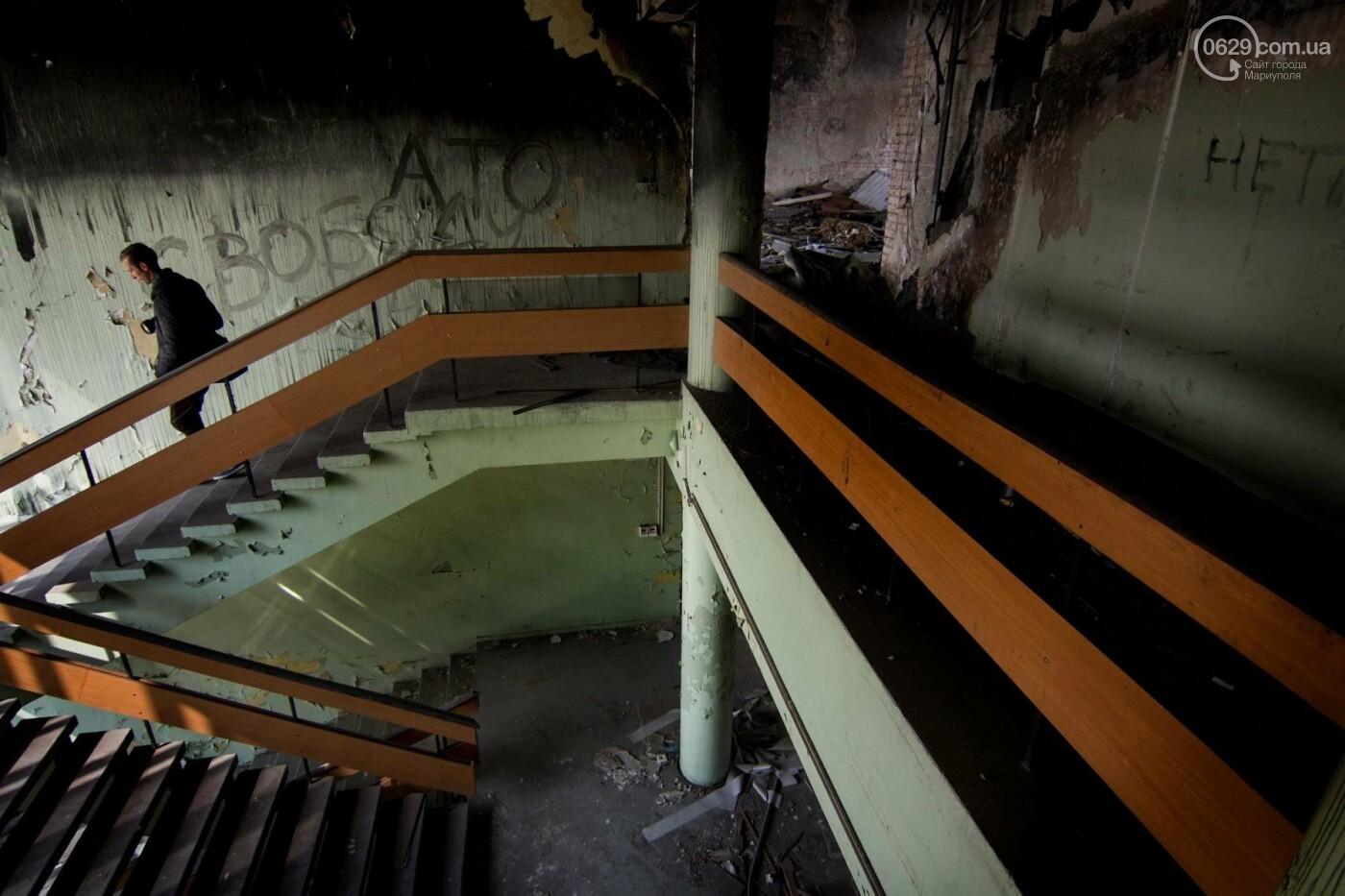В Мариуполе стоимость ремонта сгоревшего здания горсовета завысили на миллион долларов, фото-1