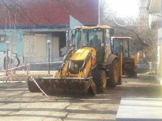 В Мариуполе произошла утечка на подземном газопроводе (ФОТО), фото-2