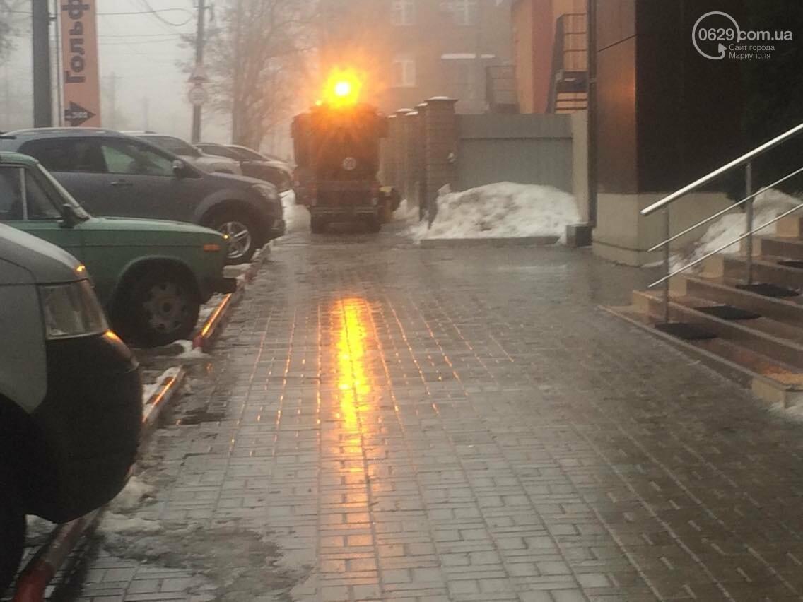В Мариуполе подметальные машины запылили горожан (ФОТО, ВИДЕО), фото-2