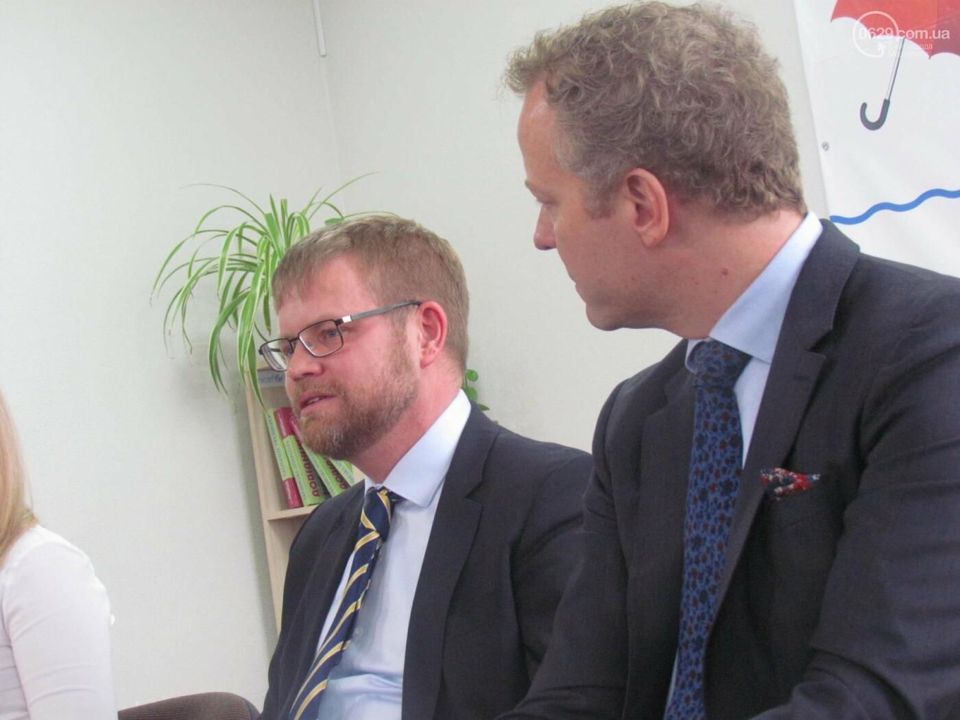 """Посол Швеции в Мариуполе: """"Для нас было важно увидеть город""""  (ФОТОРЕПОРТАЖ), фото-5"""