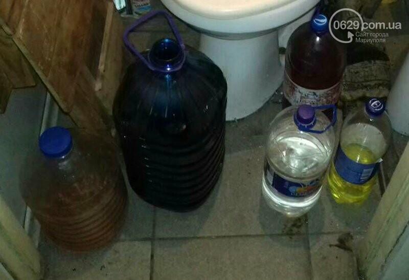 """В Мариуполе полицейские изъяли 80 литров самогона в """"Наливайко"""" (ФОТО), фото-1"""