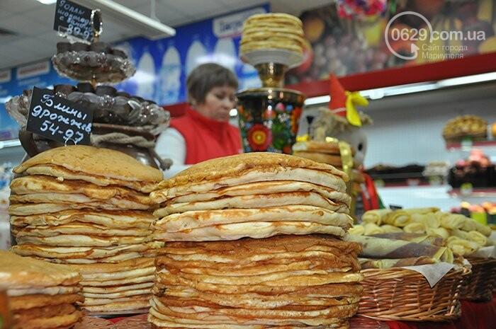 """Масленица в супермаркетах """"Яблочко"""":  покупателей угощают блинами с пылу с жару, фото-5"""