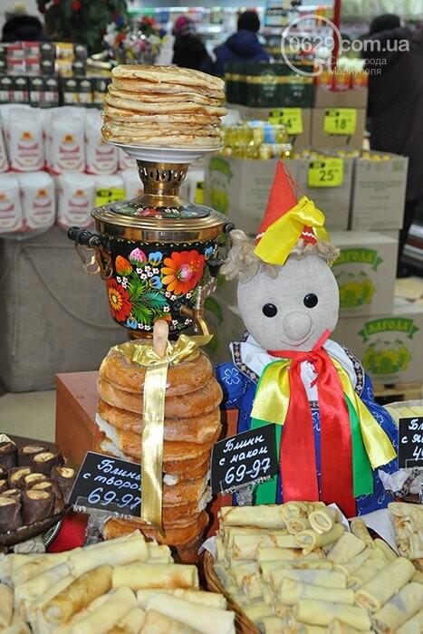 """Масленица в супермаркетах """"Яблочко"""":  покупателей угощают блинами с пылу с жару, фото-9"""