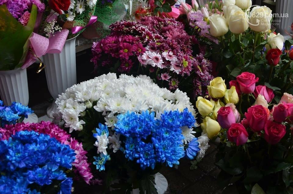 Розы и тюльпаны cтали самым ходовым товаром в Мариуполе (ФОТО+ВИДЕО), фото-11