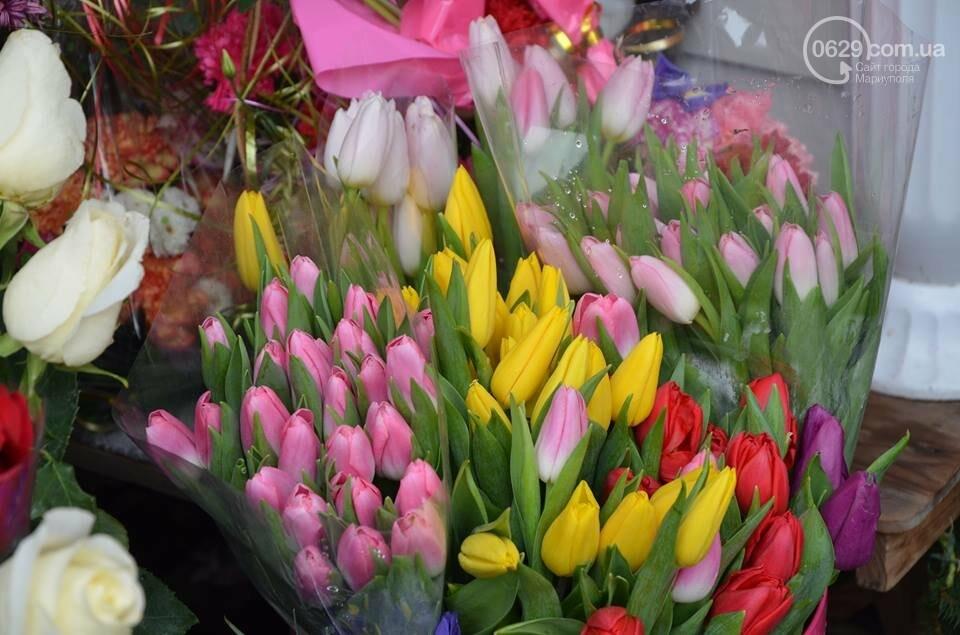 Розы и тюльпаны cтали самым ходовым товаром в Мариуполе (ФОТО+ВИДЕО), фото-6