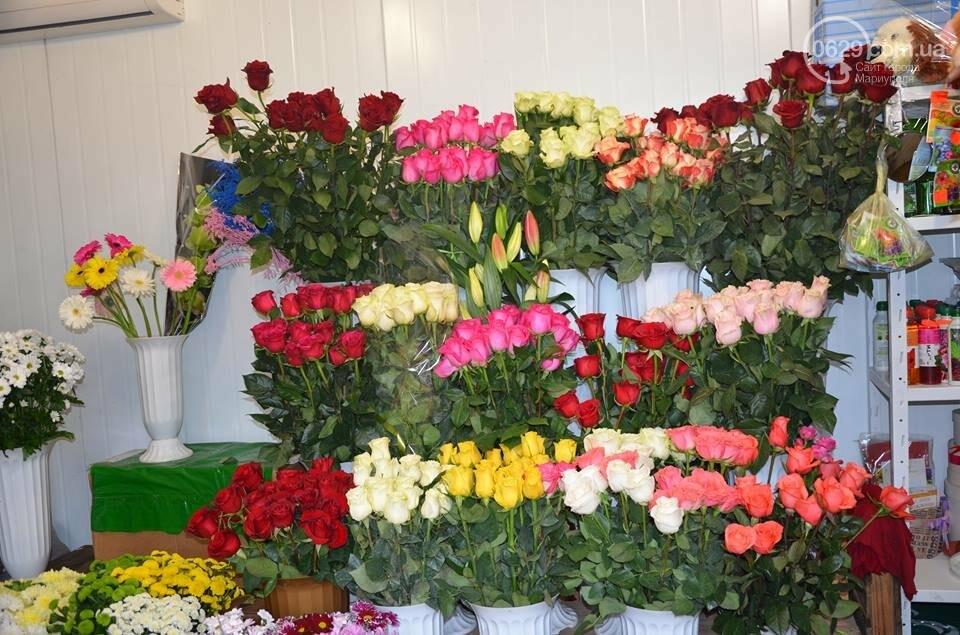 Розы и тюльпаны cтали самым ходовым товаром в Мариуполе (ФОТО+ВИДЕО), фото-7