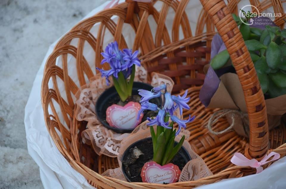 Розы и тюльпаны cтали самым ходовым товаром в Мариуполе (ФОТО+ВИДЕО), фото-18