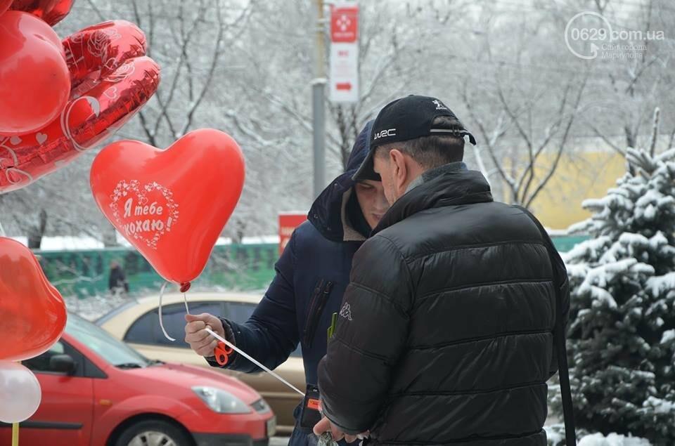 Розы и тюльпаны cтали самым ходовым товаром в Мариуполе (ФОТО+ВИДЕО), фото-25