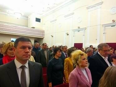В Мариуполе началась экстренная сессия горсовета (ФОТО), фото-2