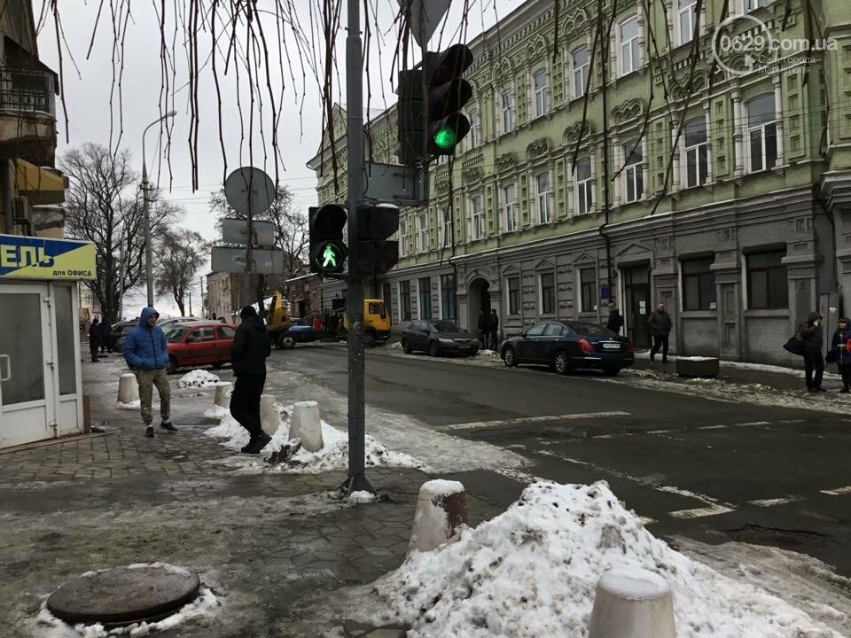 """В Мариуполе общественники """"сдают"""" полиции автомобили, припаркованные с нарушениями (ФОТО+ВИДЕО), фото-7"""