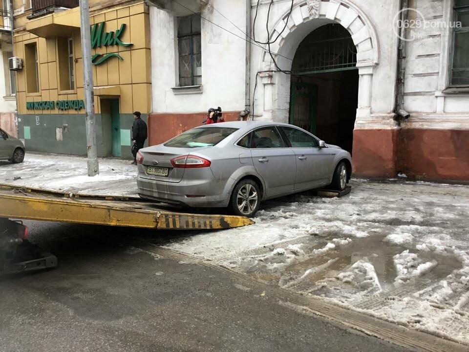 """В Мариуполе общественники """"сдают"""" полиции автомобили, припаркованные с нарушениями (ФОТО+ВИДЕО), фото-2"""