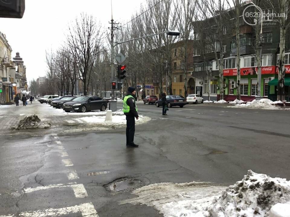 """В Мариуполе общественники """"сдают"""" полиции автомобили, припаркованные с нарушениями (ФОТО+ВИДЕО), фото-5"""