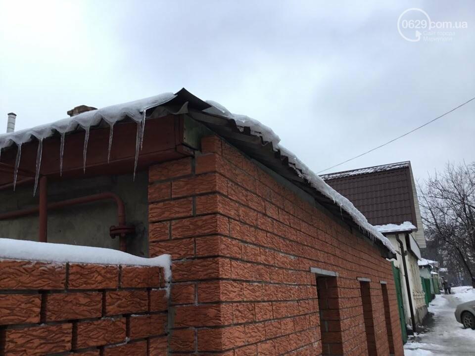 Осторожно, лед тает! В Мариуполе сосульки угрожают прохожим (ФОТО), фото-3
