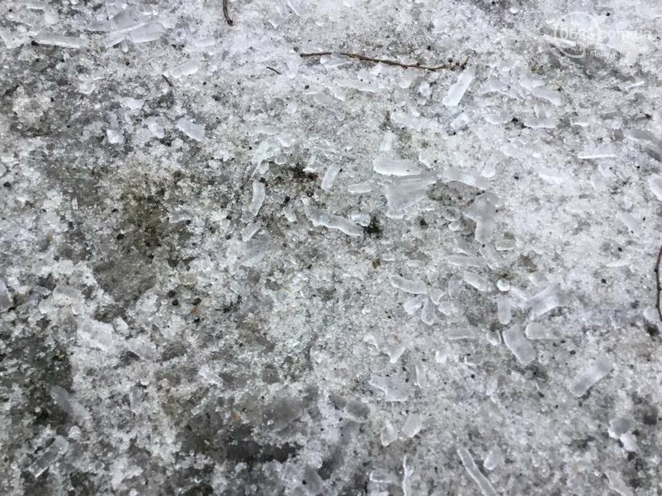 Осторожно, лед тает! В Мариуполе сосульки угрожают прохожим (ФОТО), фото-11